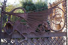 Avda. Pedralbes, 17 -BCN- Mes dracs al blog: dracs.cat