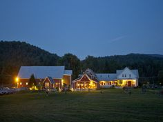 Lareau Farm Inn with American Flatbread located right next door! Located in Waitsfield, VT ©Brian Mohr / EmberPhoto.com
