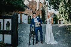 Amy and Lee's Elegant and Relaxed Lilac Wedding by Ed Brown Photography
