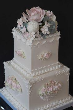 The Frostery - Bespoke Wedding Cake design