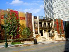 Una biblioteca construida con libros - http://arquitecturaideal.com/biblioteca-construida-con-libros/
