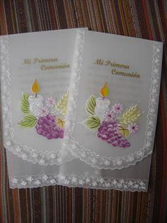 Lindas estampas para primera comunion  para niñas , el detalle de las flores es rosado y para los niños el detalle es celeste.