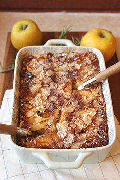 Big Diabetes Free - Clafoutis dautomne aux pommes, poires et amandes (IG BAS) - Pear and Apple Autumn Clafoutis (Low GI) - Doctors reverse type 2 diabetes in three weeks Thermomix Desserts, Ww Desserts, Dessert Recipes, Fall Recipes, Sweet Recipes, Cooking Time, Cooking Recipes, Healthy Snacks, Healthy Recipes