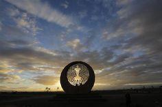 Segundo día del festival AfrikaBurn, en el desierto Karoo de Tweefontein, en Sudáfrica. EFE