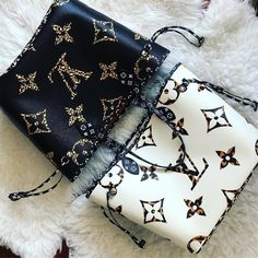 2020 New Louis Vuitton Handbags Collection for Women Fashion Bags New Louis Vuitton Handbags, Purses And Handbags, Louis Vuitton Monogram, Vuitton Bag, Burberry Handbags, Tote Handbags, Latest Bags, Cute Bags, Luxury Bags