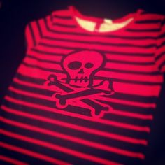 #skull #stripes #tshirt by @hm #red