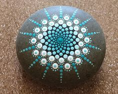Painted Mandala Stones Looking for a mandala stone but can't find exactly what you are looking for? MADE TO ORDER - Mandala Stone. Rock Painting Patterns, Dot Art Painting, Rock Painting Designs, Mandala Painting, Pebble Painting, Pebble Art, Mandala Art, Stone Painting, Dot Painting On Rocks