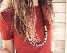 Menta pastel declaración cuerda collar / collar de cuerda / | Etsy Pastel, Hair Styles, Etsy, Beauty, Rope Necklace, Mint, Beleza, Cake, Hair Looks