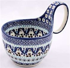 We call it a chili mug, but great for soup, ice cream, cereal, or that morning… Beatiful Serveware / serving dishes Polish Pottery, Pottery Painting, Ceramic Pottery, Talavera Pottery, Blue Pottery, Teller, White Porcelain, Stoneware, Earthenware