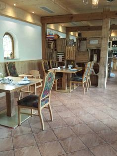 Dining Table, Furniture, Home Decor, Sunlight, Essen, Dining Room Table, Dinning Table Set, Home Furnishings, Interior Design