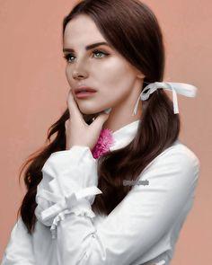 """""""Face: Lana Del Rey  Body: Zoey Deutch, recolored  #lanadelrey"""""""