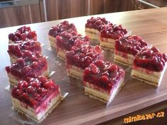 Czech Recipes, Sweet Recipes, Nom Nom, Raspberry, Cheesecake, Deserts, Good Food, Dessert Recipes, Food And Drink