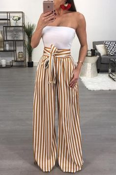 With New styles added daily, there's no better place to shop women's clothes online! Classy Outfits For Women, Cute Casual Outfits, Simple Outfits, Pretty Outfits, Holiday Outfits, Spring Outfits, Post Pregnancy Fashion, Look Fashion, Fashion Outfits