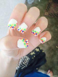 #nails #white #polkadots