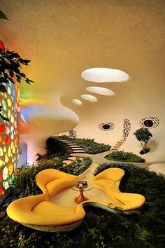 Natural Home Shaped like a Shell – Nautilus http://www.marvelbuilding.com/natural-home-shaped-shell-nautilus.html/entrance-of-natural-home-shaped-like-a-shell