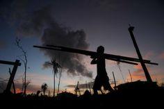Slog begins to rebuild Philippines' typhoon wastelands - Yahoo News Philippines
