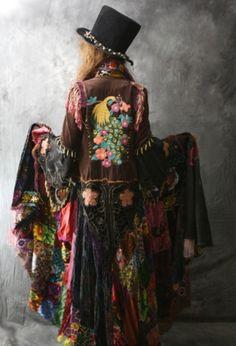 I think I have found the most AMAZING coat I have EVER laid eyes on!