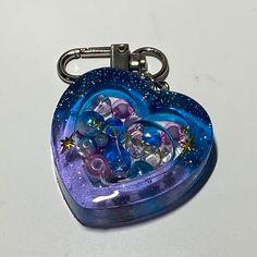 Diy Resin Art, Diy Resin Crafts, Uv Resin, Rainbow Aesthetic, Aesthetic Art, Resin Jewelry Tutorial, Phone Gadgets, Resin Charms, Stuff And Thangs