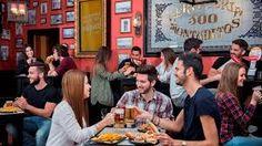 Se você encontrar algum desses bares espalhados pela cidade, pode entrar sem medo! A rede 100 Montaditos é o que mais se aproxima de um fast food español, mas, como os españois são loucos por comida, o sabor não tem nada de fast food! É uma opção boa e barata, ideal para um happy hour!