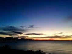 Se acercan tiempos difíciles amar es urgente. La #RevoluciondelAmor buenos días Pimpis. Fotografía de Jesús Segado Costura #Malaga