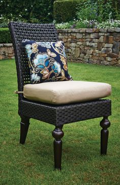 outdoor Sunbrella throw pillow in a Somerby dining chair by Peak Season. #outdoorliving