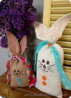 East burlap bunnies - great for the little wild things easter baskets. I might try to stuff them with candy instead.
