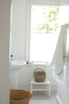 Bathroom - love the natural light