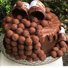 Woow so yummy Who love this Nutella cake 🥰❤️! Tag your friends and fol. Baking Recipes, Cake Recipes, Snack Recipes, Dessert Recipes, Baking Desserts, Chocolate Truffle Cake, Chocolate Recipes, Chocolate Nutella, Truffle Food