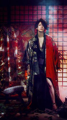 쟆방에서 카메짤에 치여서 머리채 잡혀왔는데.. - KAT-TUN 카테고리 Traditional Japanese Kimono, Japanese Boy, Asian Boys, Asian Men, Human Poses Reference, Pretty Asian, Cosplay, Yukata, Cute Gay