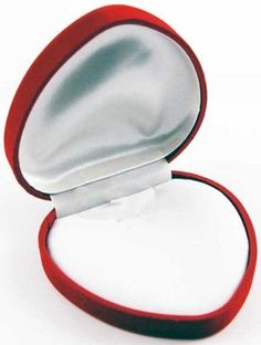Necklace Box Heart Red 9x9cm by Cleo, http://www.amazon.co.uk/dp/B006L6WH8A/ref=cm_sw_r_pi_dp_.--crb1WMW2NS