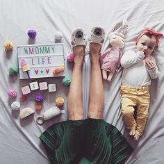 Hej! 🙋🏻 Leczymy zapalenie spojówek u Liny, siedzimy w domu, bo ciągle pada i czekamy na kolejne zęby. No i wiosnę oczywiście, bo miała być już w tym tygodniu... 🌷Czujemy się oszukane. 😜 PS. Trzy do do weekendu. 💪🏻#whereisspring #gdziejestwiosna #primaveradovesei #dziendobry #mamaicorka #momandbaby #igerspoland #onthebed #hello #inspiremyinstagram #mummylife #mydaughter #instamatki #likemotherlikedaughter #jestembojestes #pastelcolors #mommylife #lightbox #flatlay #polishmom…