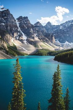 Moraine Lake Banff National Park Canada | Riley Found Say Yes To Adventure