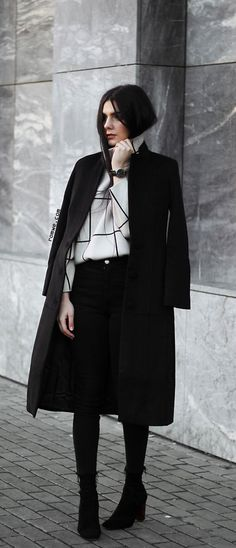 Big Sale - 80% off orders us$50 + Free Shipping only 24 hours - Fall & Winter Chic - White Grid Drop Shoulder Turtleneck Sweater with black coat from romwe.com