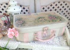 Купить Чемодан Винтажный Нежный Зефир - фотосессия, винтажный стиль, чемоданчик, винтажные розы