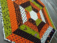 Love the pattern for this (not a huge Halloween fan, so could convert to something else)