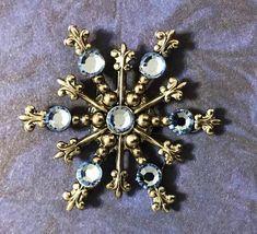 Items similar to Snowflake Pin on Etsy Light Blue Sapphire, Snowflake Jewelry, Etsy Vintage, Vintage Items, Austrian Crystal, Vintage Winter, Stones And Crystals, Minimalist Earrings, Snowflakes