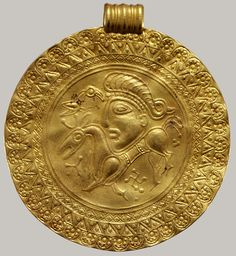 Bracteate [Scandinavian] Heilbrunn Timeline of Art History The Metropolitan Museum of Art Medieval Jewelry, Viking Jewelry, Ancient Jewelry, Medieval Art, Art Antique, Antique Jewelry, Jewelry Art, Jewellery, Ancient History