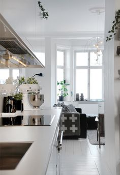 love the wide plank white floors and the lighting fixture Home And Deco, Kitchen Living, Interior Design Kitchen, Interior Inspiration, Home Fashion, Home Kitchens, Interior Architecture, Living Spaces, Living Area