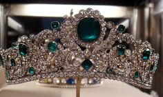 Diadem of the Duchess of Angoulême. Gold, gilt silver, 40 emeralds and 1031 diamonds. Made in Paris in 1819-1820 to match an emerald necklace made by Paul-Nicolas Menière in 1814.