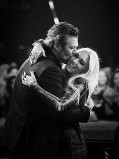 Gwen And Blake, Gwen Stefani And Blake, Blake Shelton, Felicia, My Music, Black And White, Couple Photos, Twitter, Celebrities
