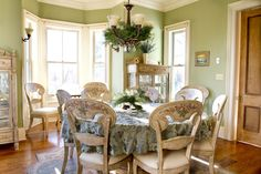 Try Luxurious Feeling for Dinner with These Victorian Dining Room Ideas Green Dining Room, Dining Room Walls, Living Room Furniture, Home Furniture, Cozy Living Rooms, My Living Room, Sage Green Walls, Simple Chandelier, Traditional Dining Rooms