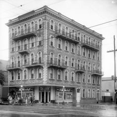 A history of New Orleans local drugstore chain K and B