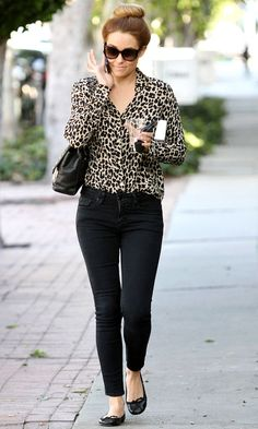 Lauren Conrad Flats and Skinnies-- LC is perfect! Lauren Conrad wears flats and skinnies with a leopard print shirt. Style Work, Mode Style, Her Style, Cute Fashion, Look Fashion, Autumn Fashion, Fashion Black, Fashion Outfits, Fashion Trends