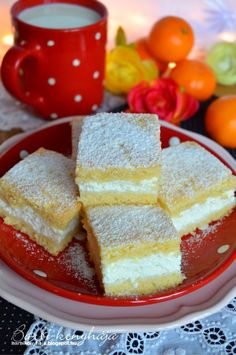 Citromos túrós szelet 38x24 cm tepsiben Hungarian Desserts, Hungarian Recipes, Hungarian Food, Sweet Cookies, Cake Cookies, Bread Dough Recipe, Sweets Cake, Best Food Ever, Baking And Pastry