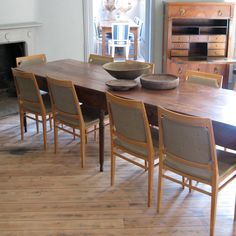 Wonderful Set of 10 Mid 20th Century Ash Dining Chairs - Furniture