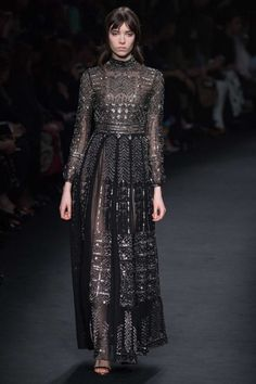 All the runway looks from Valentino: Paris Ready-to-Wear Autumn/Winter 2015/16