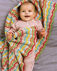 Farverigt tæppe til babyen, som er hæklet i det blødeste Primabomuld.