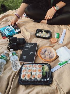 — Had a sushi picnic at the park with my best friend. # Food and Drink art life Selfish & Stupid . — Had a sushi picnic at the park with my best friend. Summer Aesthetic, Aesthetic Food, Comida Picnic, Cute Date Ideas, Picnic Date, Summer Bucket Lists, Milk And Honey, Love Food, My Best Friend