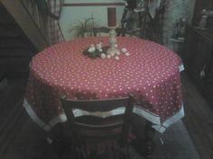 une jolie nappe, et ma table prend des airs de fêtes !!! Merci à Domie......