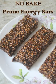 No Bake Prune Energy Bars Recipe - Breakfast Recipes - Lauren Derby - Baby Foods Healthy Bars, Healthy Baking, Healthy Desserts, Healthy Slice, Healthy Breakfasts, Eating Healthy, Clean Eating, Granola Bars Peanut Butter, No Bake Granola Bars